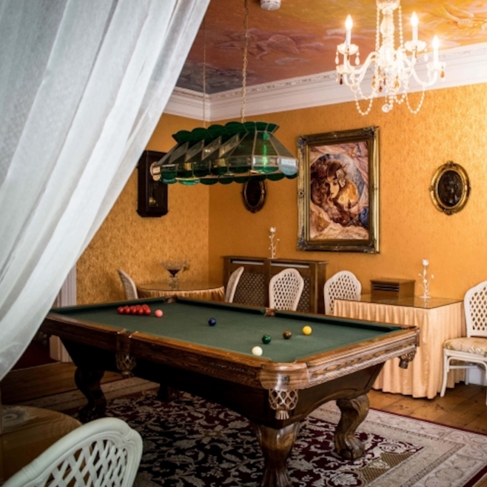 LBB Enchanted Manor Billiard
