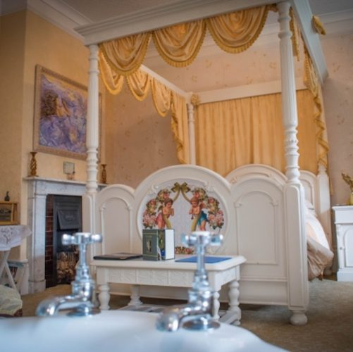 LBB Enchanted Manor Room 1