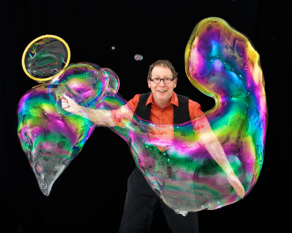 The Amazing Bubble Man (1)