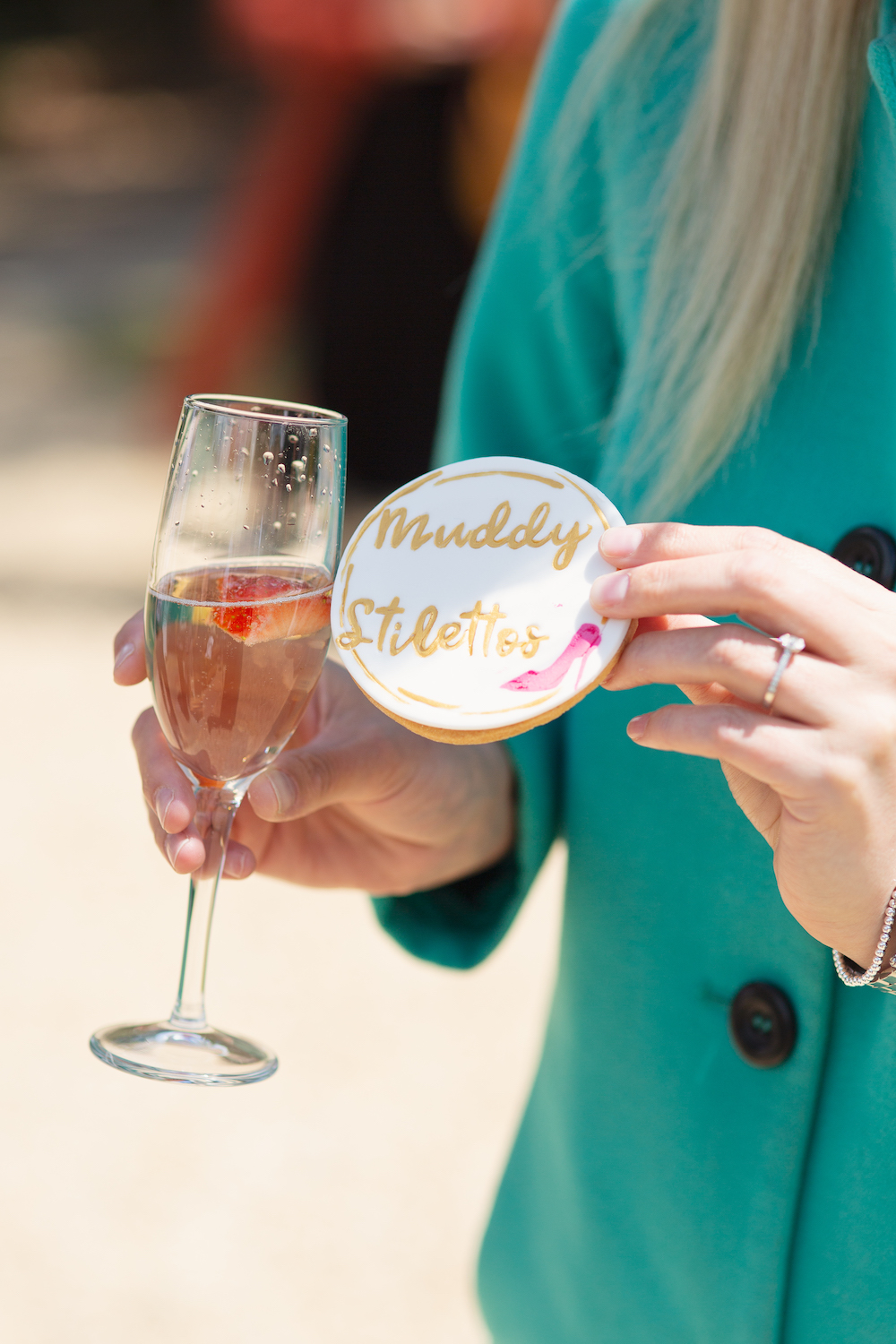 Cottonworth Rosé and a fabulous GatesBakes Muddy Stilettos biscuit