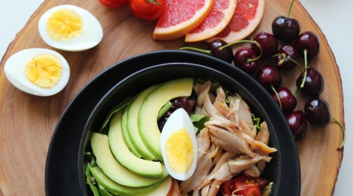CAN YOU EAT YOURSELF HEALTHY AND HAPPY egg healthy food bowl