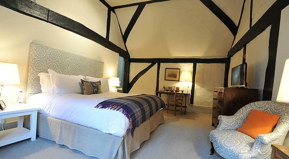 Bel and the Dragon Odiham bedroom