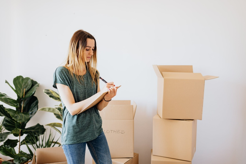 Woman list house move living together