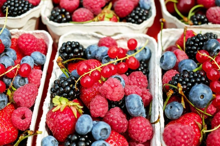 Pick your own PYO Hampshire fruit in punnet