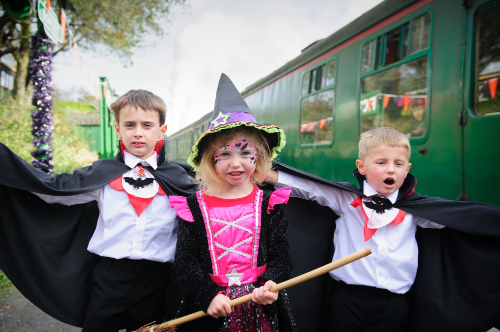 Wizard Weekend Watercress Line Hampshire What's On events kids Halloween